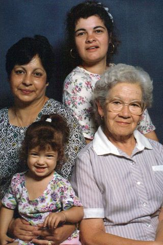 4 Generations of Cerda-Parris-Ford Women